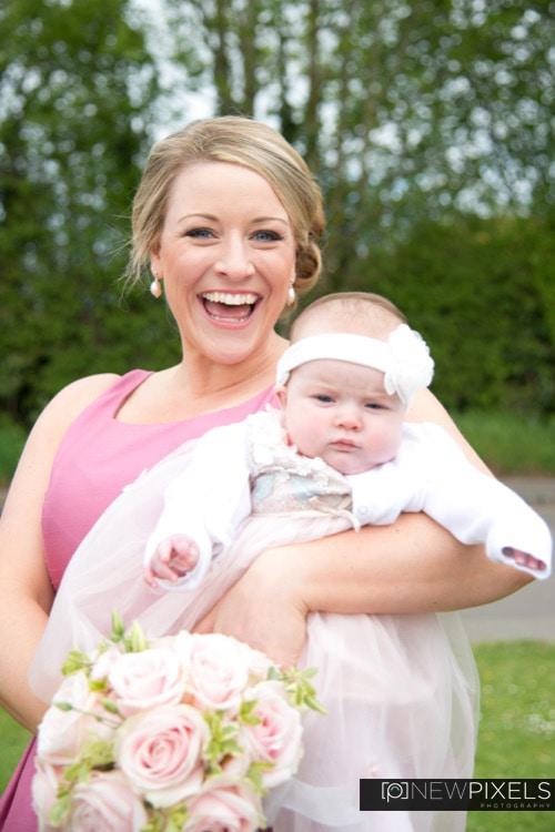 The perfect bridesmaid, Wedding Photographers in Ascot U Wychwood, Oxford