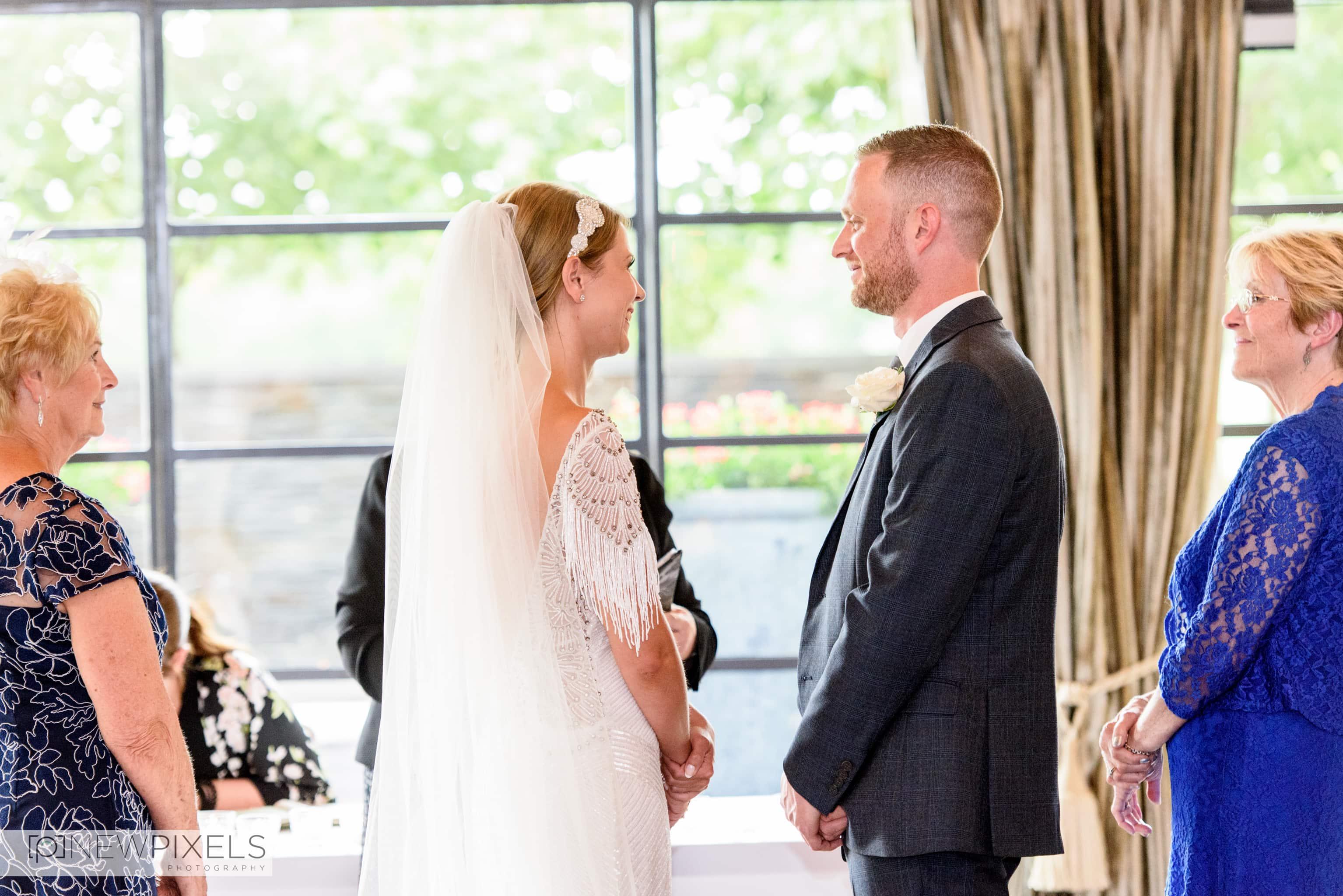 The Lion Inn Essex Wedding Photographs-12